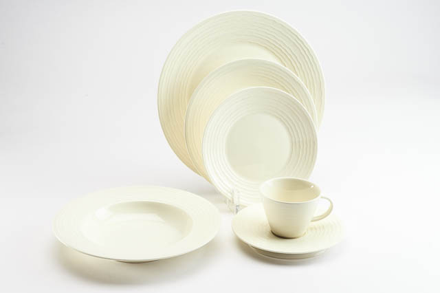 Where to find TITAN IVORY CHINA in East Bay
