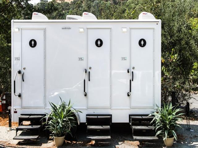Where to find LUXURY 3 STALL RESTROOM TRAILER in East Bay