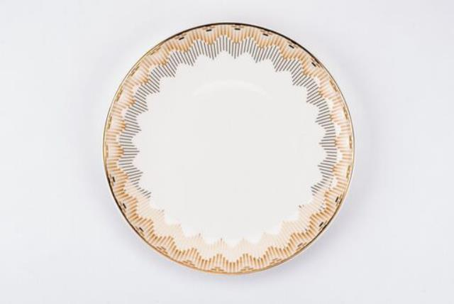 Where to find 8  TARA GOLD SILVER COUPE ACCENT PLATE in East Bay